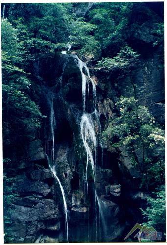 清江方山绝壁玻璃栈道,三峡大瀑布精华二日游