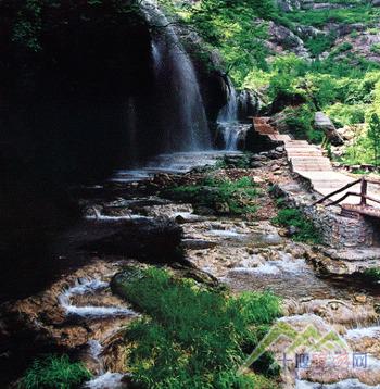 坐禅谷风景图片_旅游景点照片-景点门票-十堰吾游网